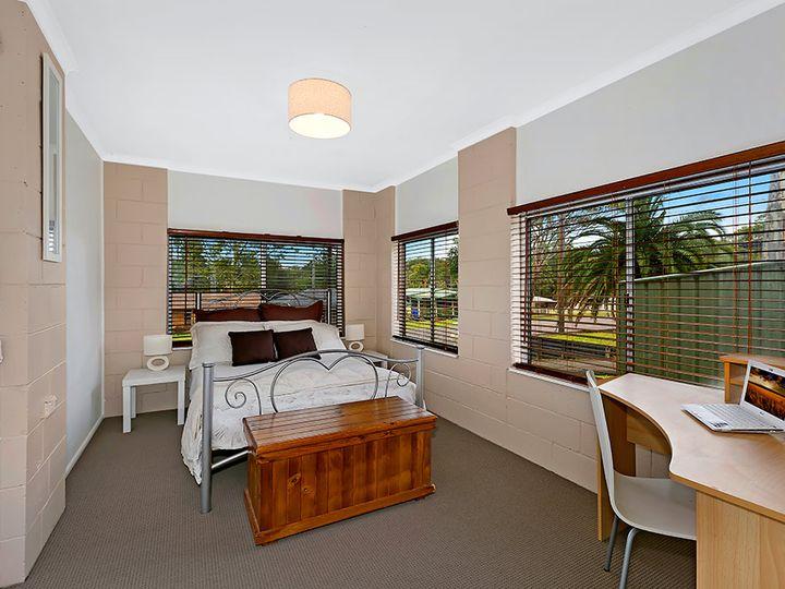 47 Albatross Road, Berkeley Vale, NSW