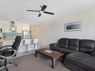 The Ideal Holiday Investment Opportunity On The Esplanade - Torquay