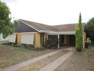 BRICK & TILE ON LARGE BLOCK - Quirindi