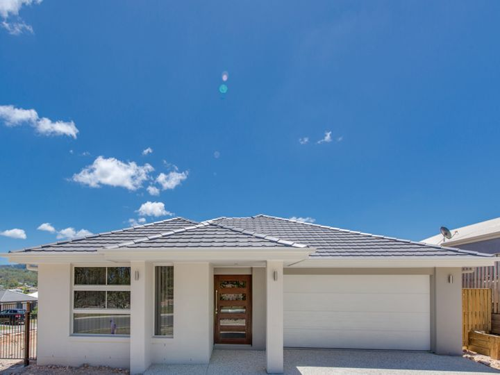 16 Butcher Bird Circuit, Upper Coomera, QLD
