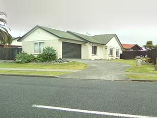 BRICK & TILE ONE LEVEL FAMILY HOME - Pakuranga