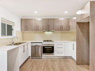 Spacious Flat with Balcony and Brand New Features! - Walk to School or Bus Stops - Cherrybrook