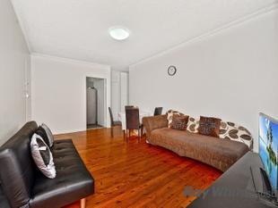 FULLY RENOVATED  GREAT LOCATION !!!!! - Lakemba