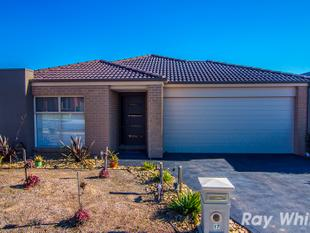 QUALITY FAMILY HOME IN GREAT LOCATION - Cranbourne West
