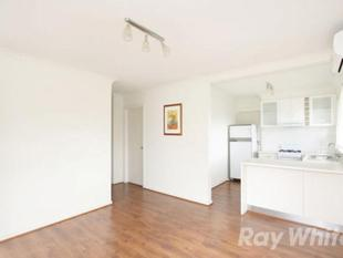 A NEAT THREE-BEDROOM SINGLE-LEVEL UNIT - Clayton