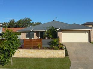 Beautiful 5 Bedroom Home with Ducted Air Con! - Victoria Point