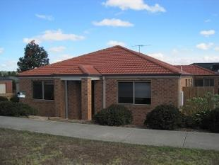 LARGE 5 BEDROOM HOME WITH LOADS OF FEATURES! - Waurn Ponds