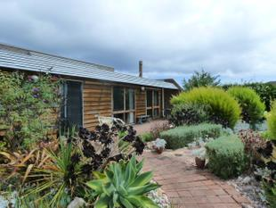 Renovator or Investor looking for an opportunity in Robe?  This is the property for you! - Robe