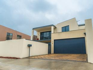 Super Convenient & Spacious City Fringe Living - Thebarton