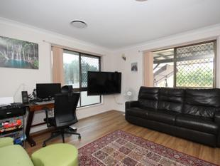 VERY NEAT FRONT DUPLEX - SUIT INVESTOR OR OWNER OCCUPIER - Tweed Heads South