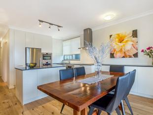 North Facing, Easy Living Entertainer - Close to Everything! - Seaforth