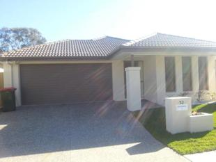 Spacious & Stunning Residence on Somerset - Carseldine