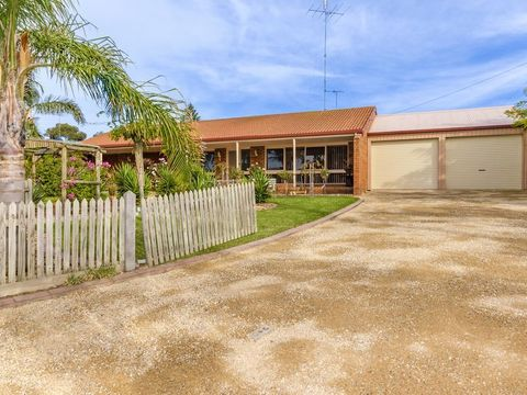 Clifton Springs, 99 Boonderabbi Drive
