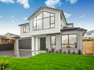 New & Super Family Home! - Long Bay
