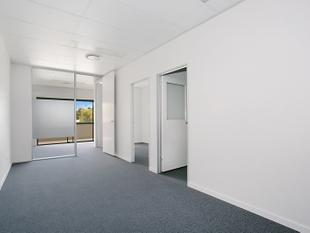 Exceptional Office Suite Next To Oxenford Village - Oxenford