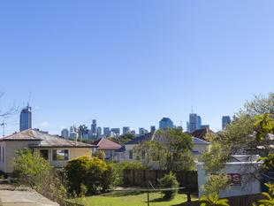 Opportunity to Capitalize on City Views - RETURNING $410 PER WEEK - East Brisbane