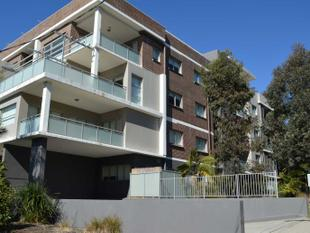 Luxurious & Modern 3 Bed apartment Back of the block! - Warrawee
