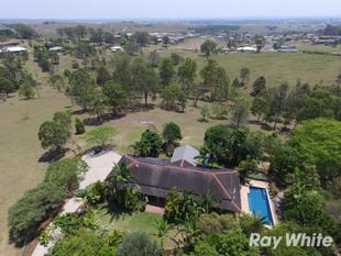 Peaceful Hillside Delight - South Grafton