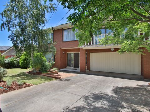 Chirnside Park, 10 Crown Point