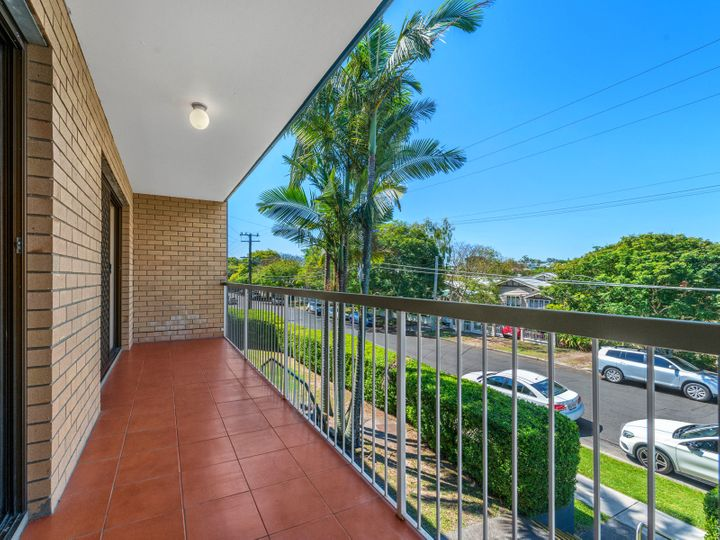 2/91 Kitchener Street, Coorparoo, QLD