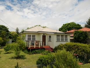 QUAINT CHARACTER COTTAGE - CUTE & CHARMING - INSPECT TODAY! - South Toowoomba