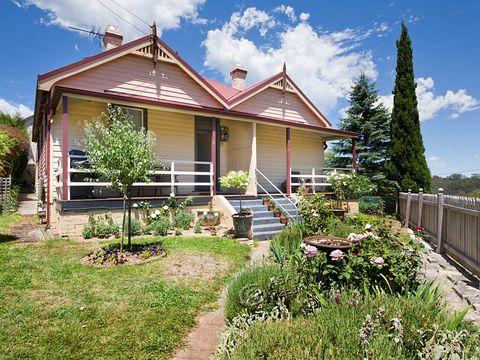 Katoomba, 2-4 Murri Street