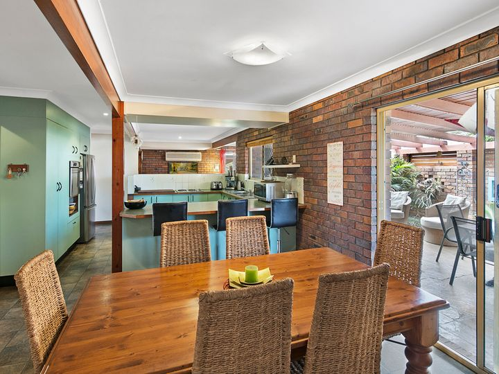 30 Baybreeze Street, Manly West, QLD