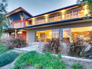 Resort Style Hideaway with Breathtaking Views - Murray Bridge