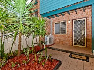 Fully Renovated & One Of A Kind - Highgate Hill