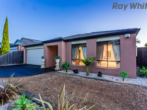 Taylors Hill, 8 Swanston Court
