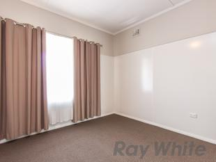 Renovated 3 Bedroom Home - Tighes Hill