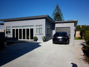 Modern 3 Brm - FULLY FURNISHED - Mount Maunganui