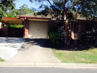 IMMACULATE FAMILY HOME IN CONVENIENT LOCATION - Runcorn