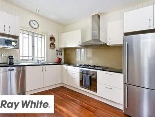 HUGE Price Reduction! Pet Friendly &  Ducted Air throughout! - Greenslopes