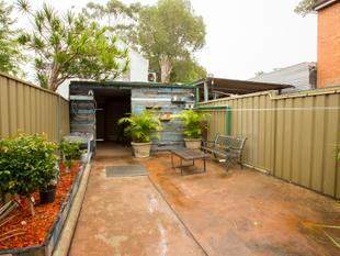 SPACIOUS FOUR BEDROOM TERRACE WITH LUG - Surry Hills