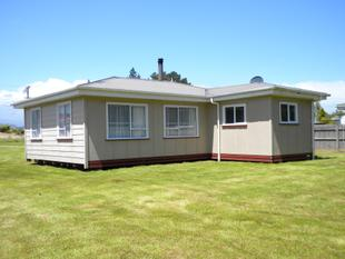 HOLIDAY BACH OR INVESTMENT OR STARTING OUT - Hokitika