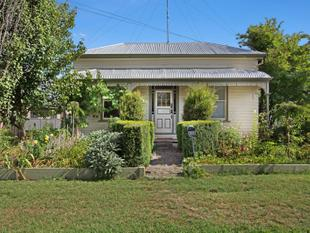 Classic Two Bedroom Victorian Cottage - Ballarat East