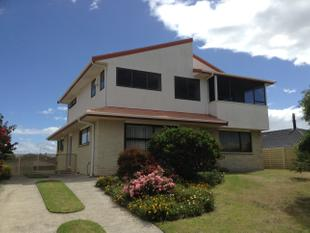 Totally Redecorated - Water & Lawns INCL. - Papamoa