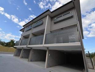 3 beds townhouse at 2/111-113 Short St, Boronia Heights - Boronia Heights