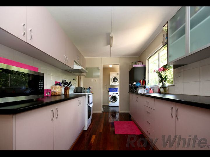 66 Robertson Road, Eastern Heights, QLD