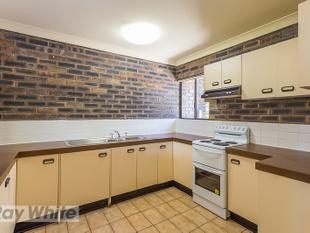 SPACIOUS TOWNHOUSE IN ROCHEDALE SOUTH! - Rochedale South