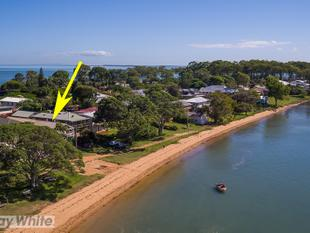 BEACHFRONT - Prime Position.Sandy Waterfront Lifestyle!!! - Victoria Point