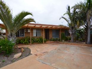 Brick & Tile In Great Location - Carnarvon