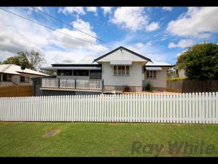 Room For The Family PLUS POOL!!! - Bundamba