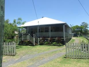 4 Bedroom Home Close To Town - Crows Nest