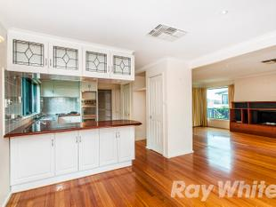 6 bedroom family home - Doncaster East