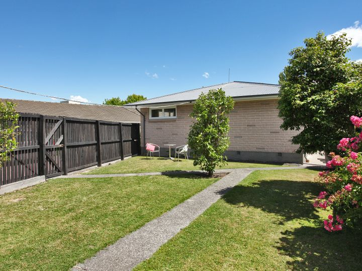 2/18A Tomes Road, St Albans, Christchurch City