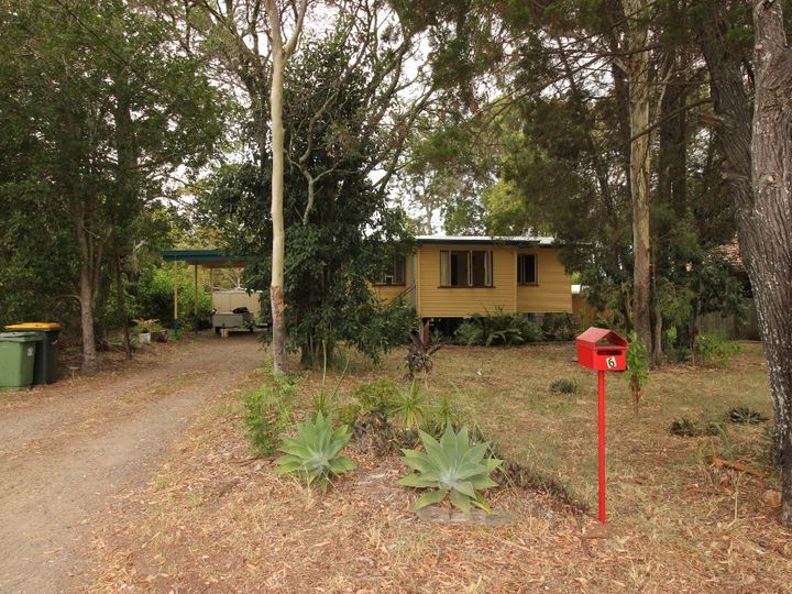 9 Bishop Road, Beachmere, QLD