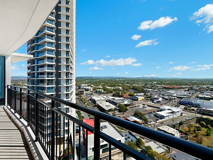 22107/5 Lawson Street, Southport, QLD