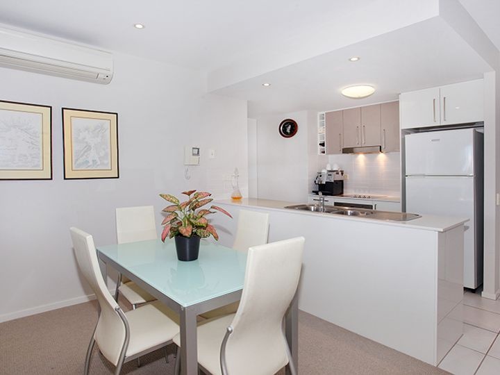 23/11 Canberra Terrace, Kings Beach, QLD